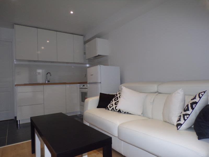 Rental apartment Magny les hameaux 690€ CC - Picture 1