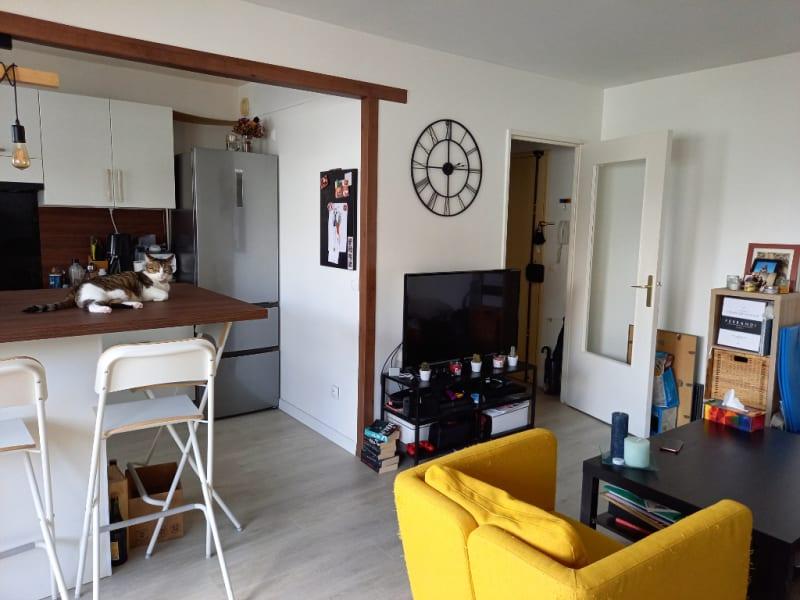 Rental apartment Poissy 930€ CC - Picture 2