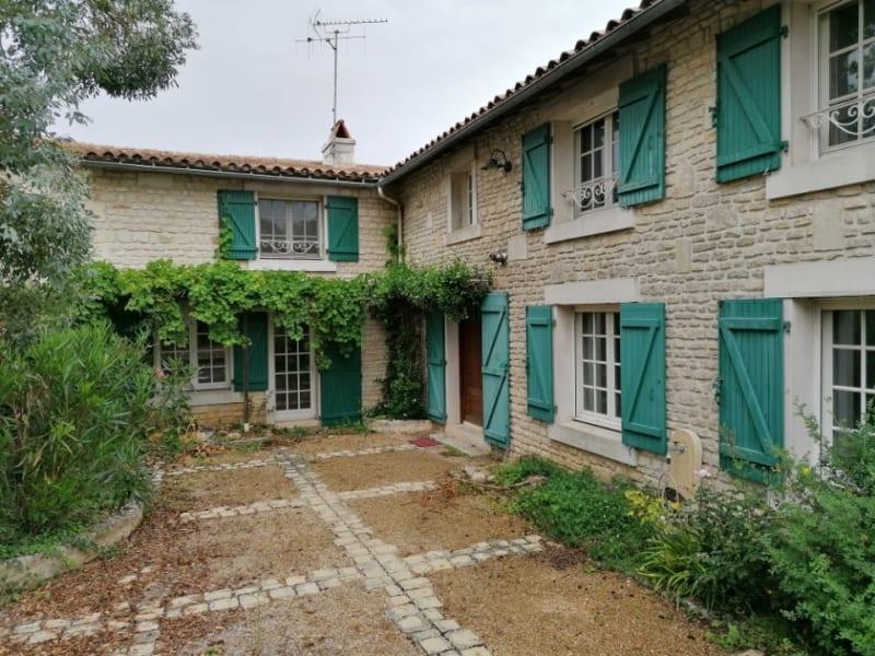 Maison en pierre centre-bourg de Vouillé