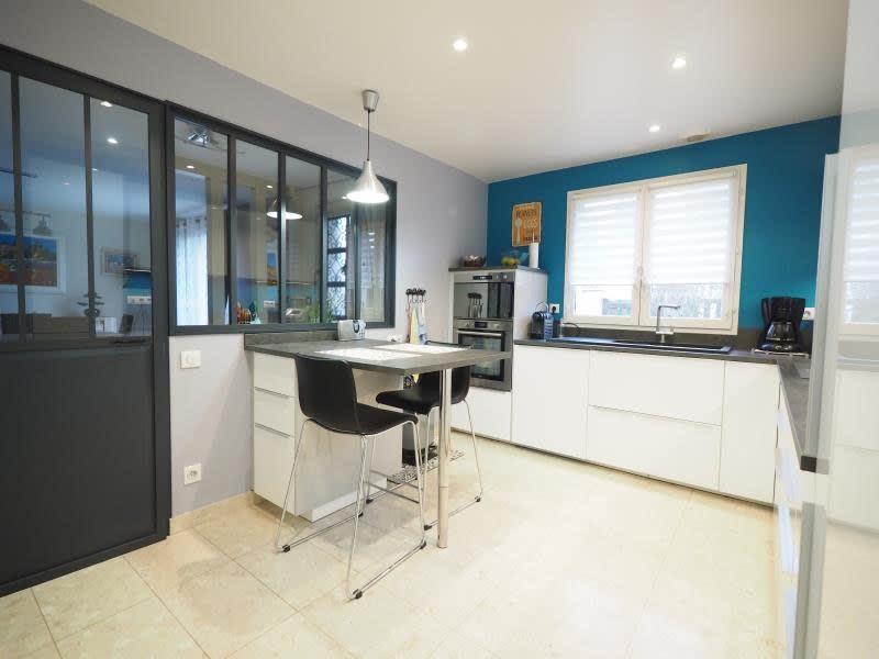 Sale house / villa Bois d arcy 590000€ - Picture 3