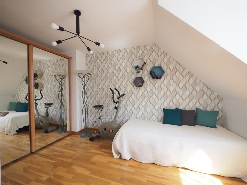 Sale house / villa Bois d arcy 590000€ - Picture 6