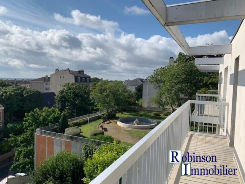 Rental apartment Le plessis-robinson 1042€ CC - Picture 1