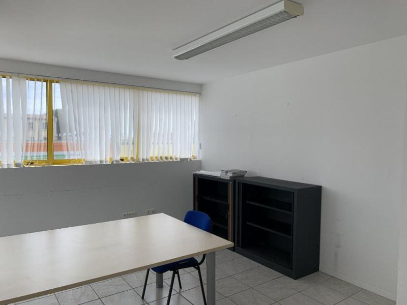 Location bureau Lunel 601€ HC - Photo 6