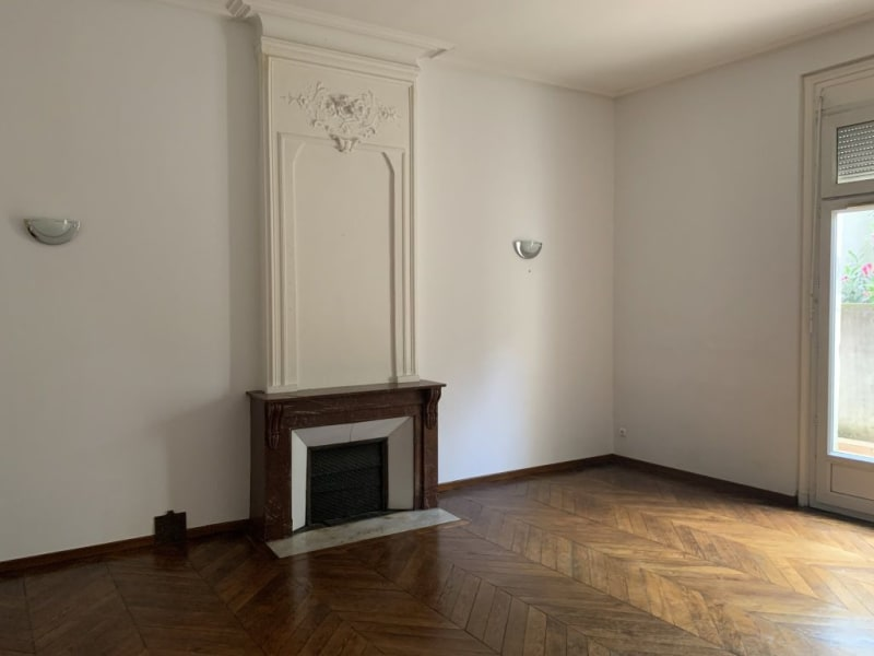 Location local commercial Lunel 1160€ HC - Photo 1