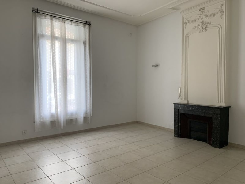 Location local commercial Lunel 1160€ HC - Photo 2