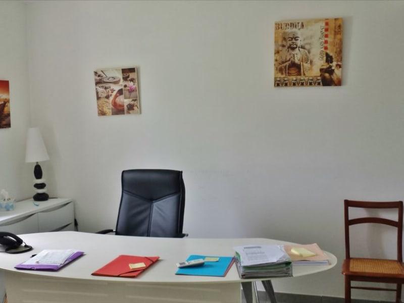Rental apartment Sainte suzanne 843€ CC - Picture 4