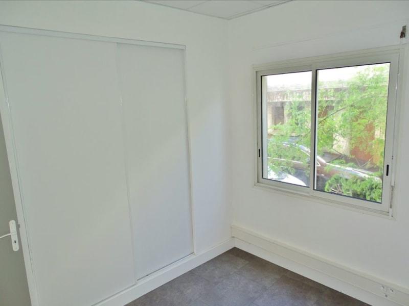 Rental empty room/storage Saint denis 1210€ HC - Picture 3