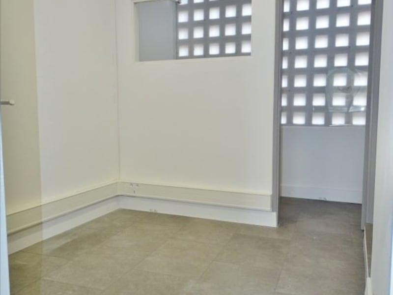 Rental empty room/storage Saint denis 1210€ HC - Picture 4
