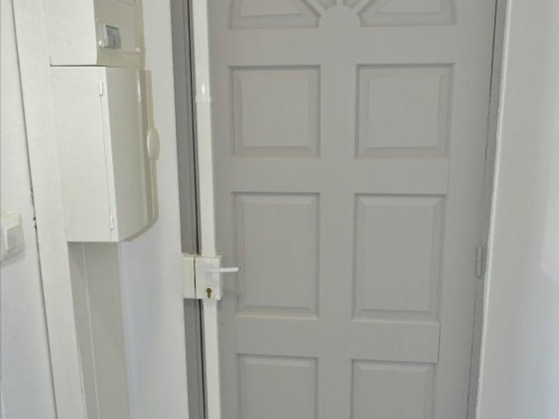 Rental empty room/storage Saint denis 1210€ HC - Picture 8