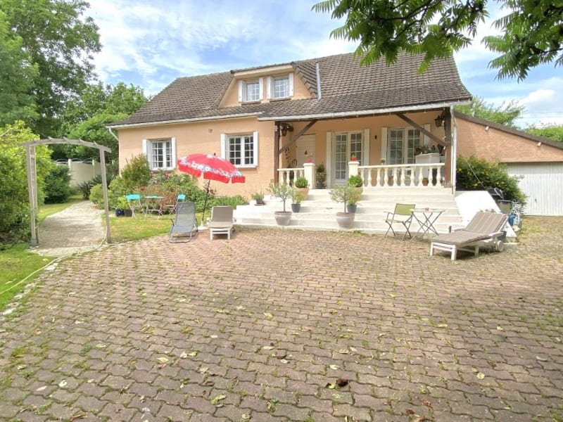 Sale house / villa Chambly 354800€ - Picture 1