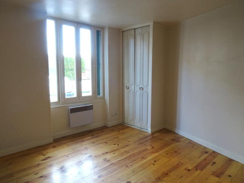 Rental apartment Riorges 370€ CC - Picture 5