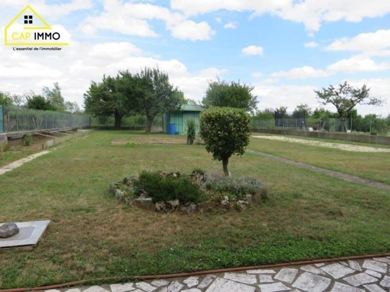 Sale house / villa Decines charpieu 460000€ - Picture 2