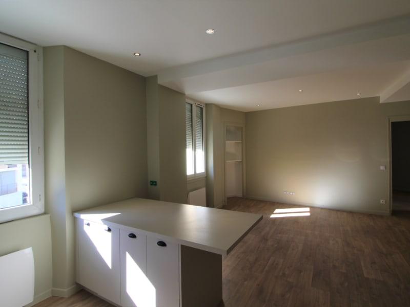 Rental apartment Voiron 540€ CC - Picture 3