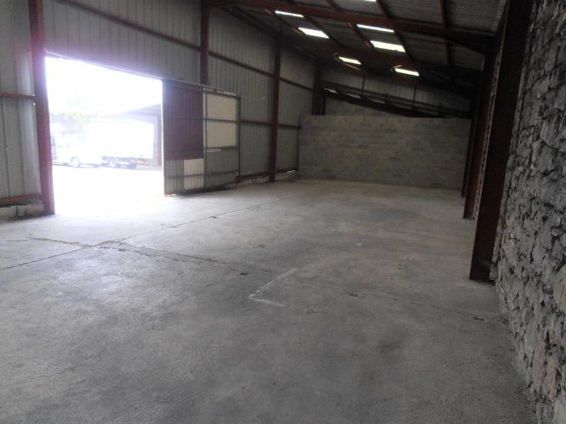 Rental empty room/storage Oyonnax 488,40€ HC - Picture 1