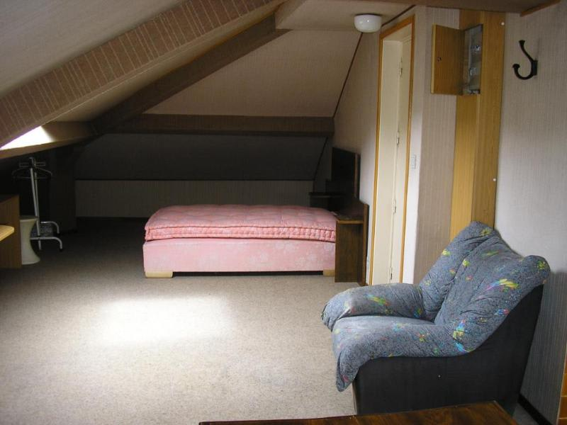 Location appartement Les neyrolles 239€ CC - Photo 2