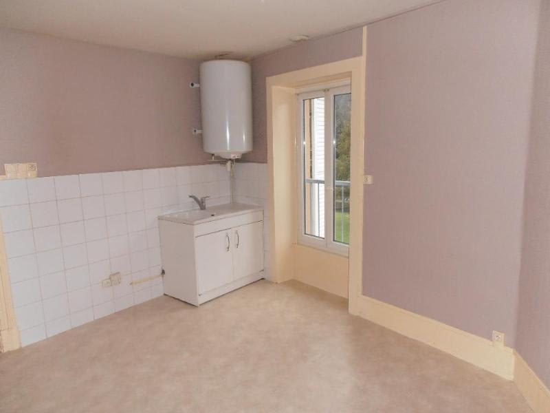 Location appartement Nantua 529€ CC - Photo 2