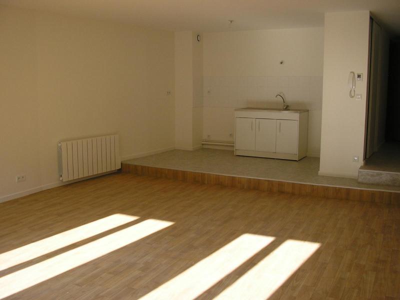 Location appartement Nantua 450€ CC - Photo 1