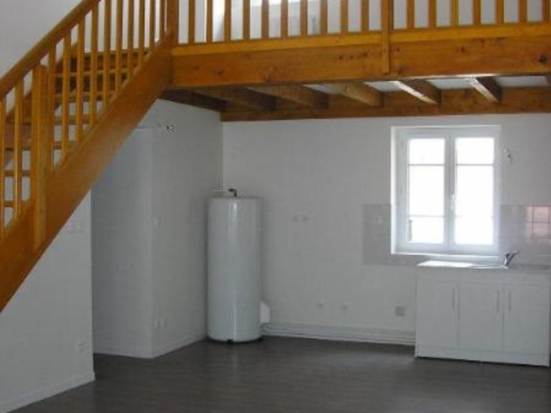 Location appartement Nantua 595€ CC - Photo 2