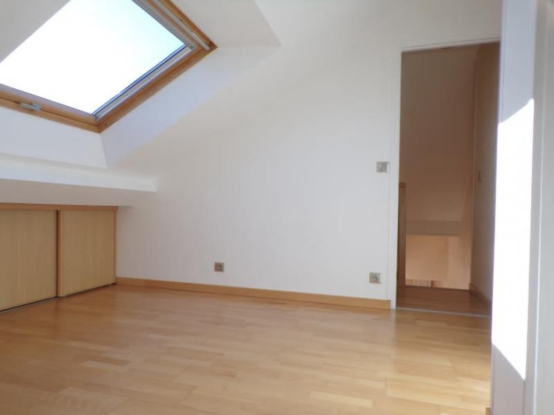 Rental apartment Voisins le bretonneux 1100€ CC - Picture 6