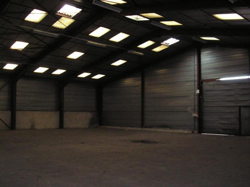 Rental empty room/storage Oyonnax 2222,40€ HC - Picture 2