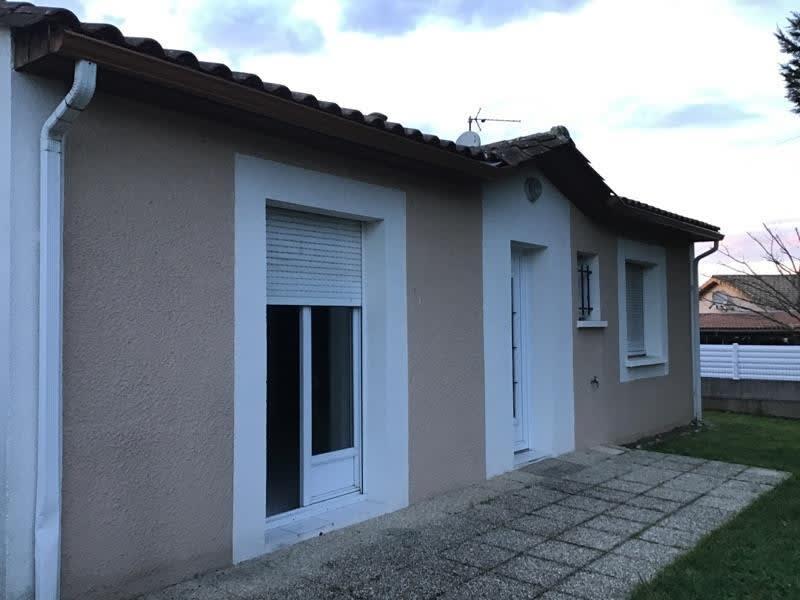 Sale house / villa Bassens 388500€ - Picture 2