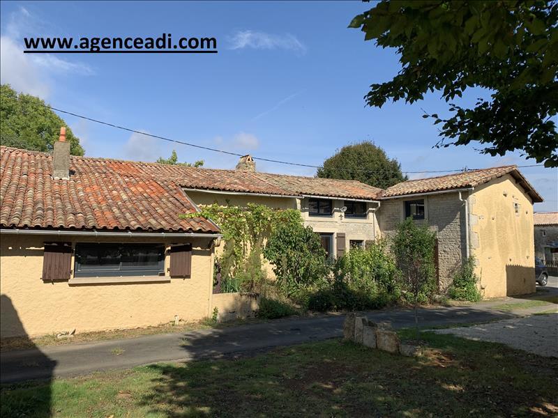 Vente maison / villa Aigondigne 131250€ - Photo 1