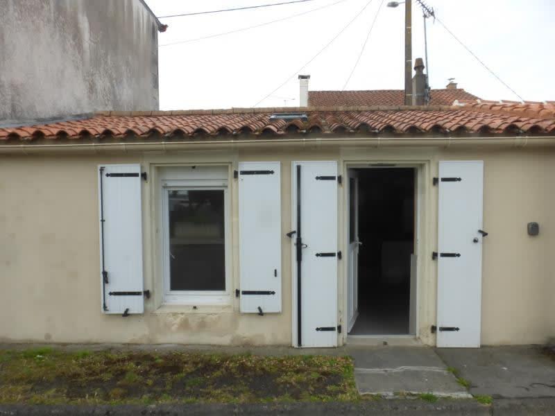 Deluxe sale house / villa Port des barques 101000€ - Picture 1