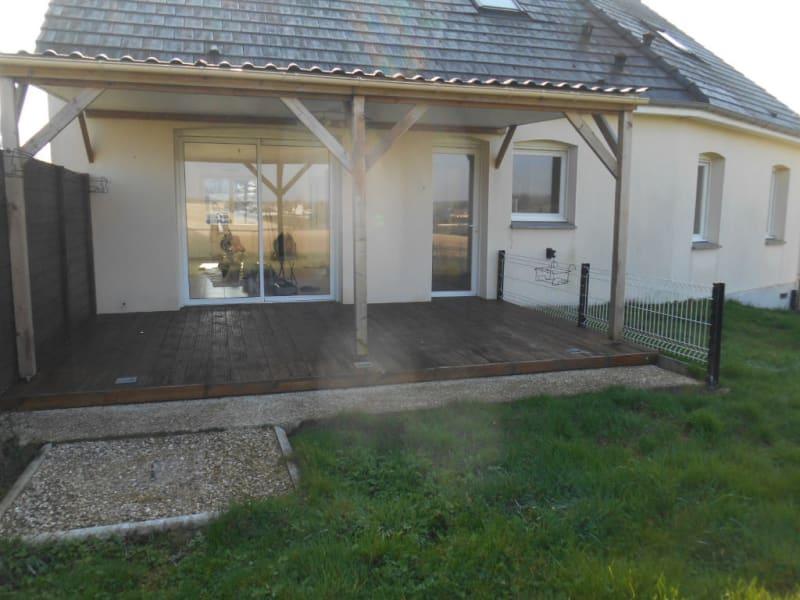 Rental house / villa Homblieres 888€ CC - Picture 1