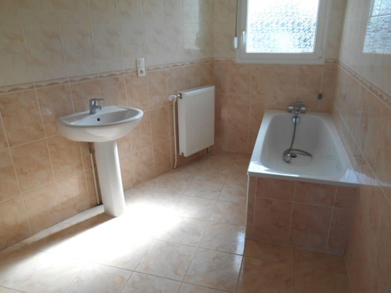 Rental house / villa Homblieres 888€ CC - Picture 4