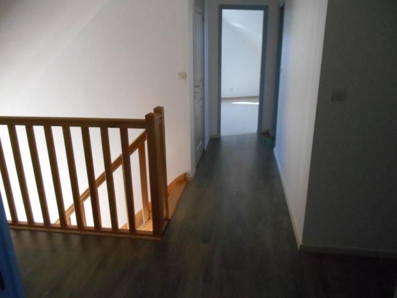 Rental house / villa Homblieres 888€ CC - Picture 5