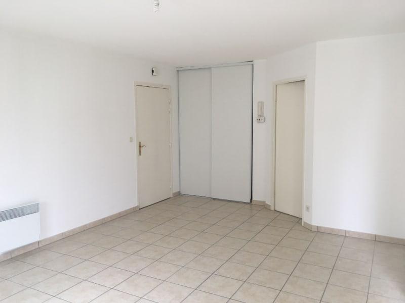 Location appartement Lehaucourt 565€ CC - Photo 3