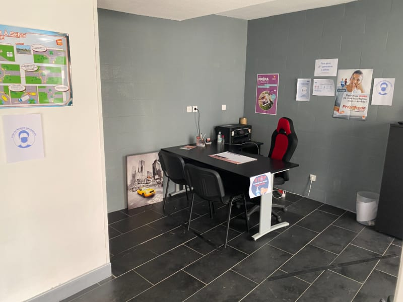 Rental empty room/storage Fleurbaix 635,58€ HC - Picture 1