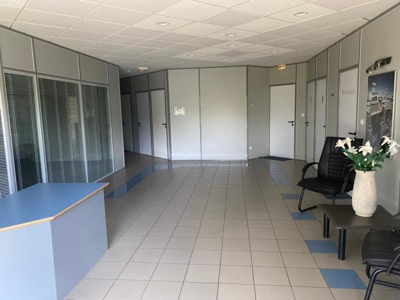 Location bureau Nieppe 1350€ CC - Photo 2