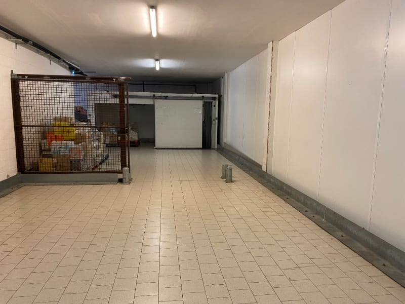 Location local commercial Le maisnil 4000€ HC - Photo 5