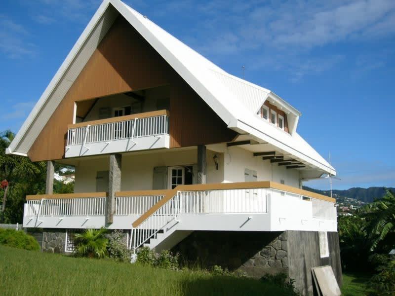 Rental house / villa Ste clotilde 1700€ CC - Picture 1