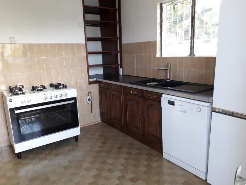 Rental house / villa Ste clotilde 1700€ CC - Picture 4