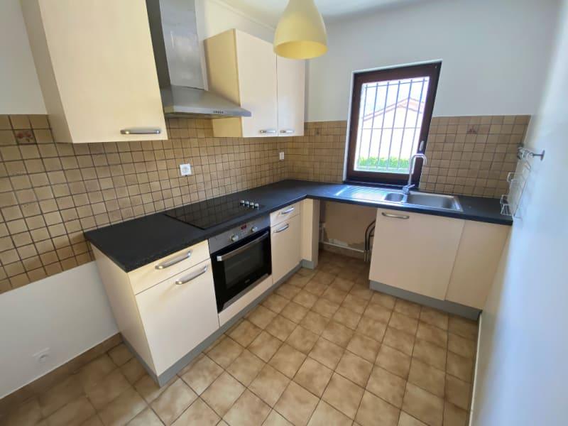Rental house / villa St etienne de crossey 1100€ CC - Picture 2
