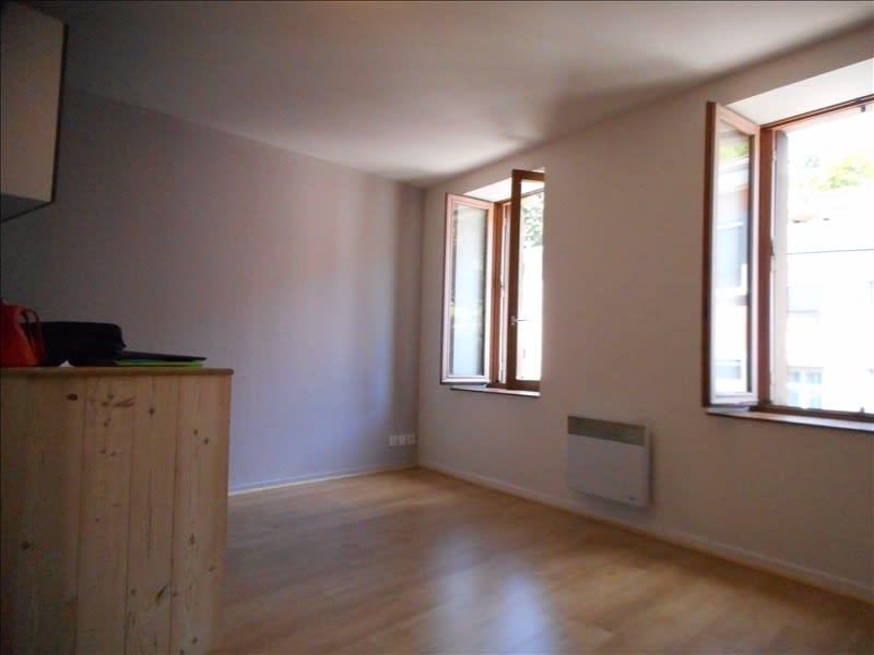 Rental apartment Voiron 291€ CC - Picture 1