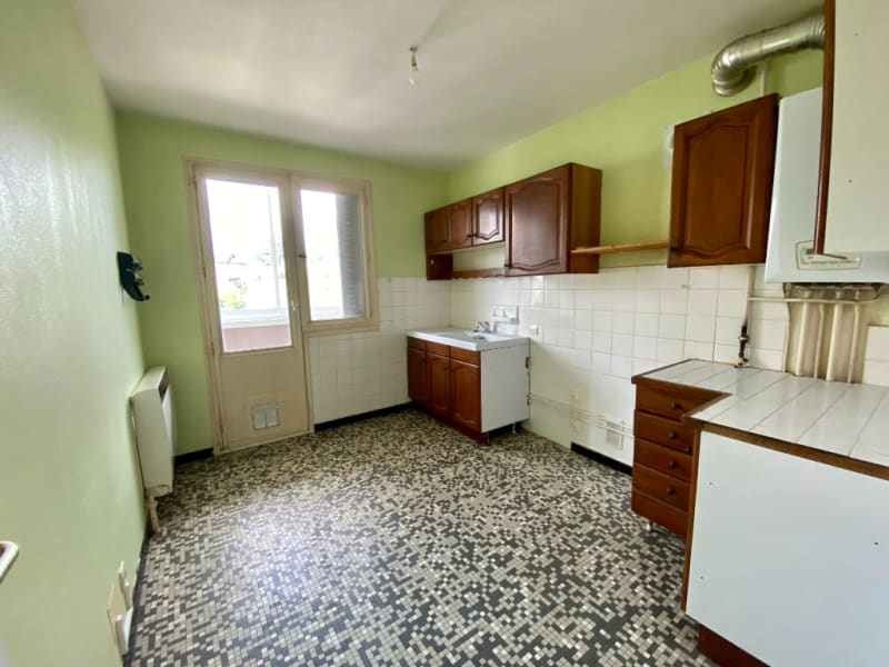 Sale apartment Voiron 109000€ - Picture 2
