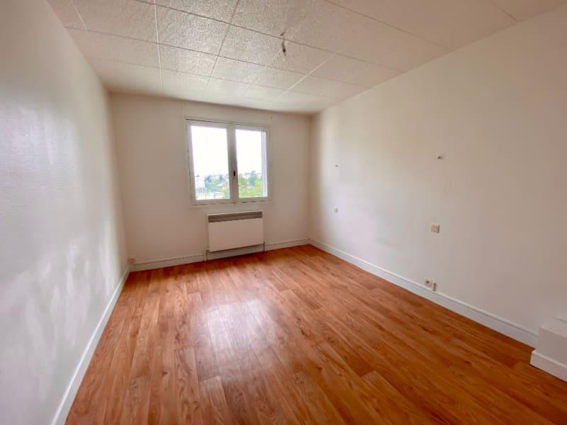 Sale apartment Voiron 109000€ - Picture 3