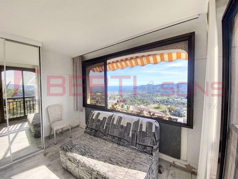 Sale apartment Mandelieu la napoule 220000€ - Picture 2