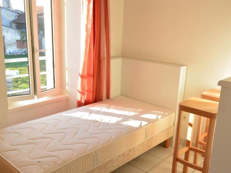 Rental apartment Pauillac 361€ CC - Picture 1