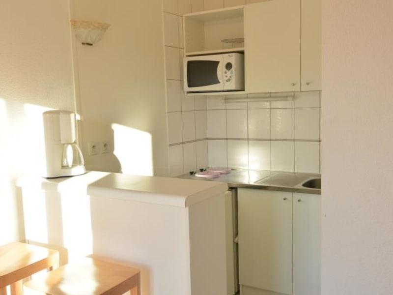 Rental apartment Pauillac 361€ CC - Picture 2