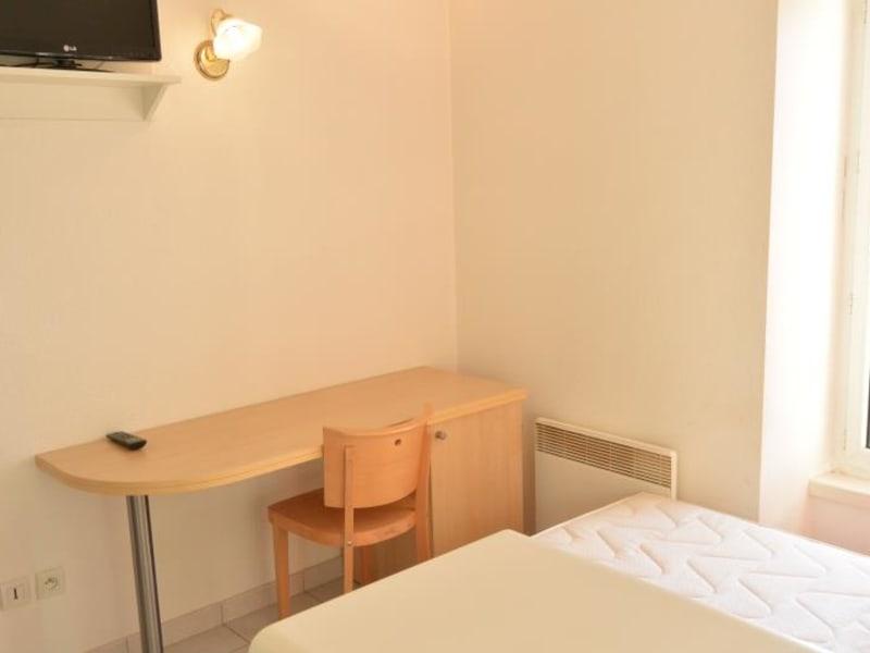 Rental apartment Pauillac 361€ CC - Picture 3