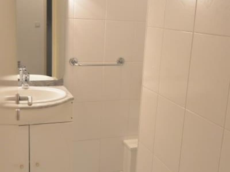 Rental apartment Pauillac 361€ CC - Picture 4