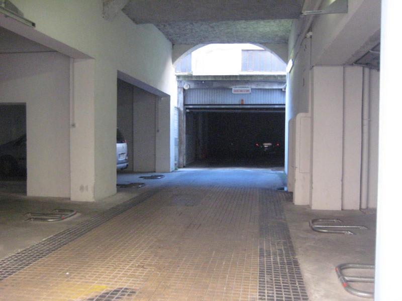 Location parking Lyon 2ème 400€ CC - Photo 4