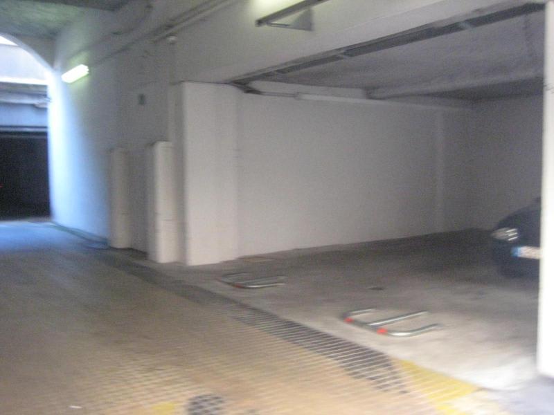 Location parking Lyon 2ème 400€ CC - Photo 5