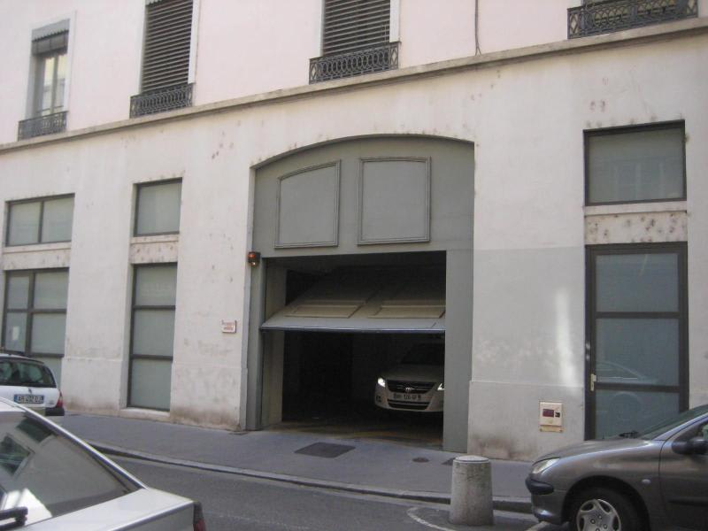 Location parking Lyon 2ème 400€ CC - Photo 6