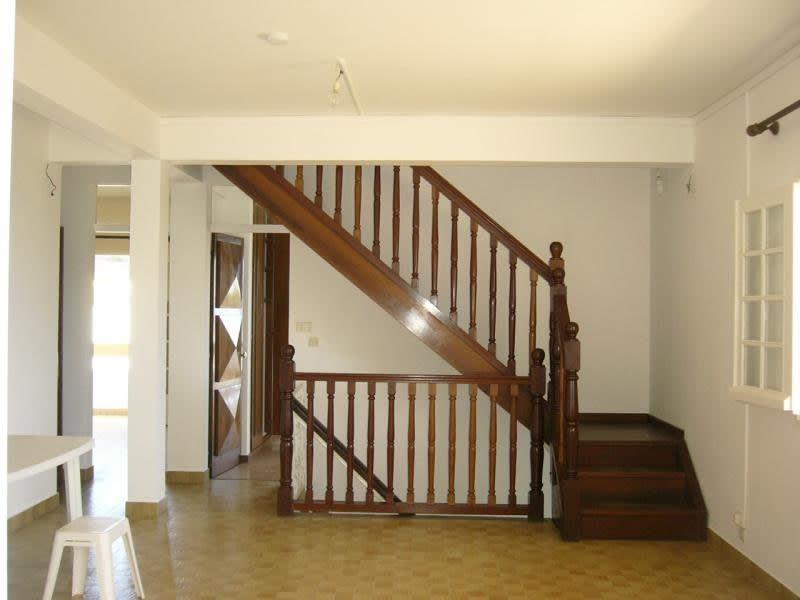 Rental house / villa Ste clotilde 1700€ CC - Picture 5
