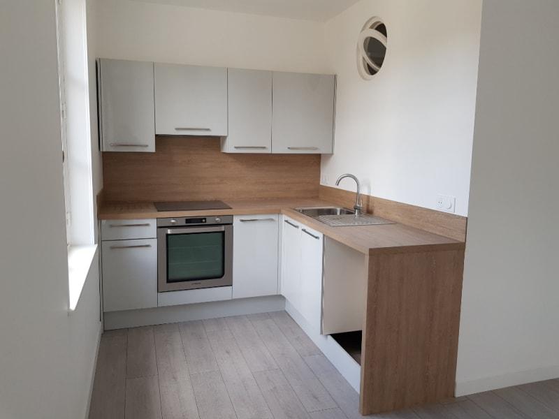 Location appartement Henonville 860€ CC - Photo 4